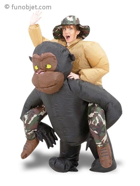 d guisement insolite homme dos de gorille avec